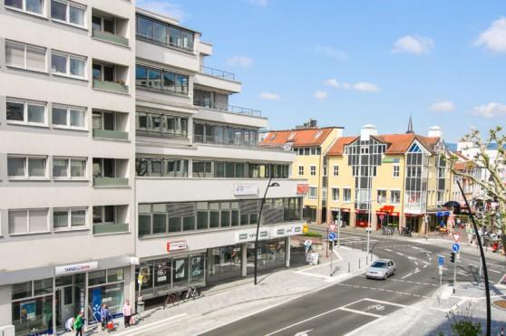 Adenauer 32 -modernes Büro- und Geschäftshaus in Oberursel